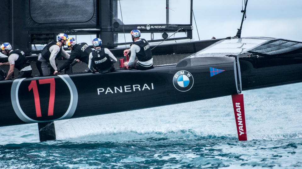 Officine Panerai becomesofficial watch of 35th america's cup ?>
